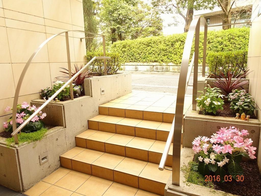 フォンテーヌ駒沢 花壇